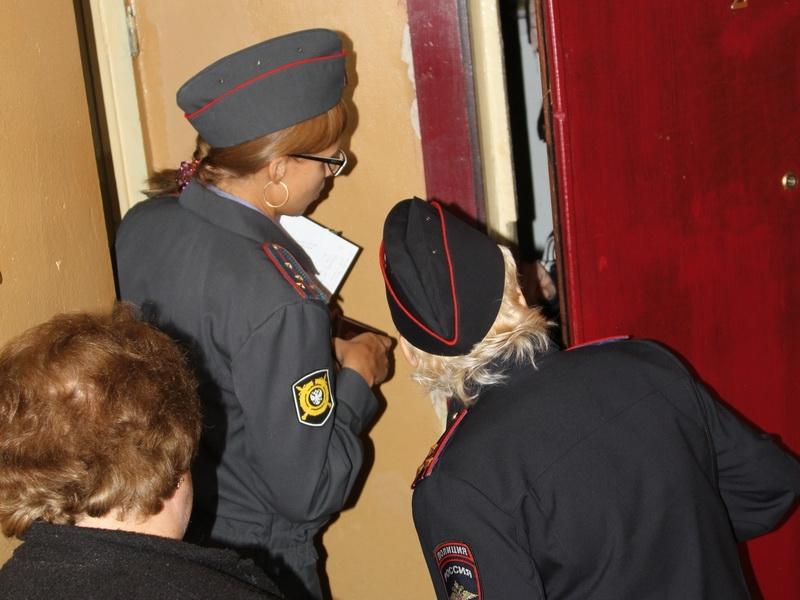 Могут ли сотрудники полиции входить в квартиру без разрешения?