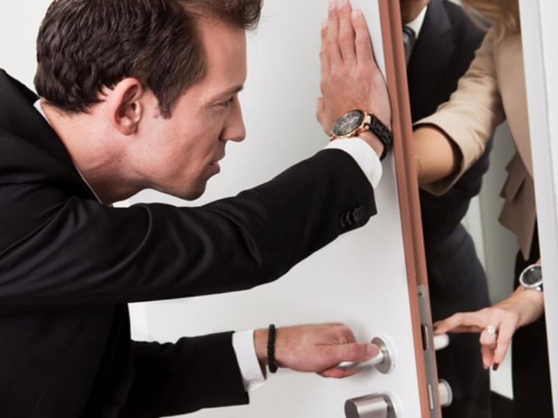 Как коллекторы психологически ломают должников ?