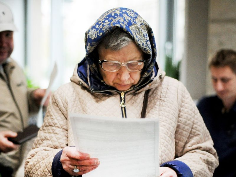 У пенсионеров за кредитные долги заберут дачное счастье